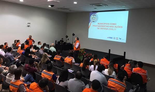 Coordenadorias e profissionais de 61 municípios estiveram presentes