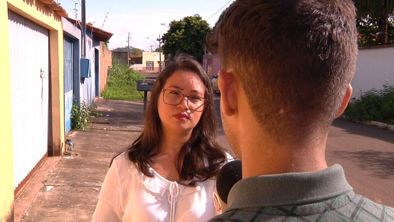 Silvia Lopes conversando com a vitima Foto: Júnior Gomes