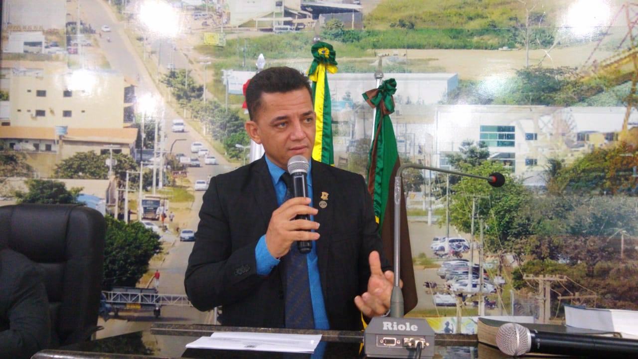 Gesiel Ribeiro na tribuna da Câmara / Foto: Divulgação